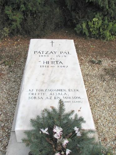 Pátzay Pál síremléke Pátzay Pál.jpg (600 x 800) 182401 byte (178.13 KiB)